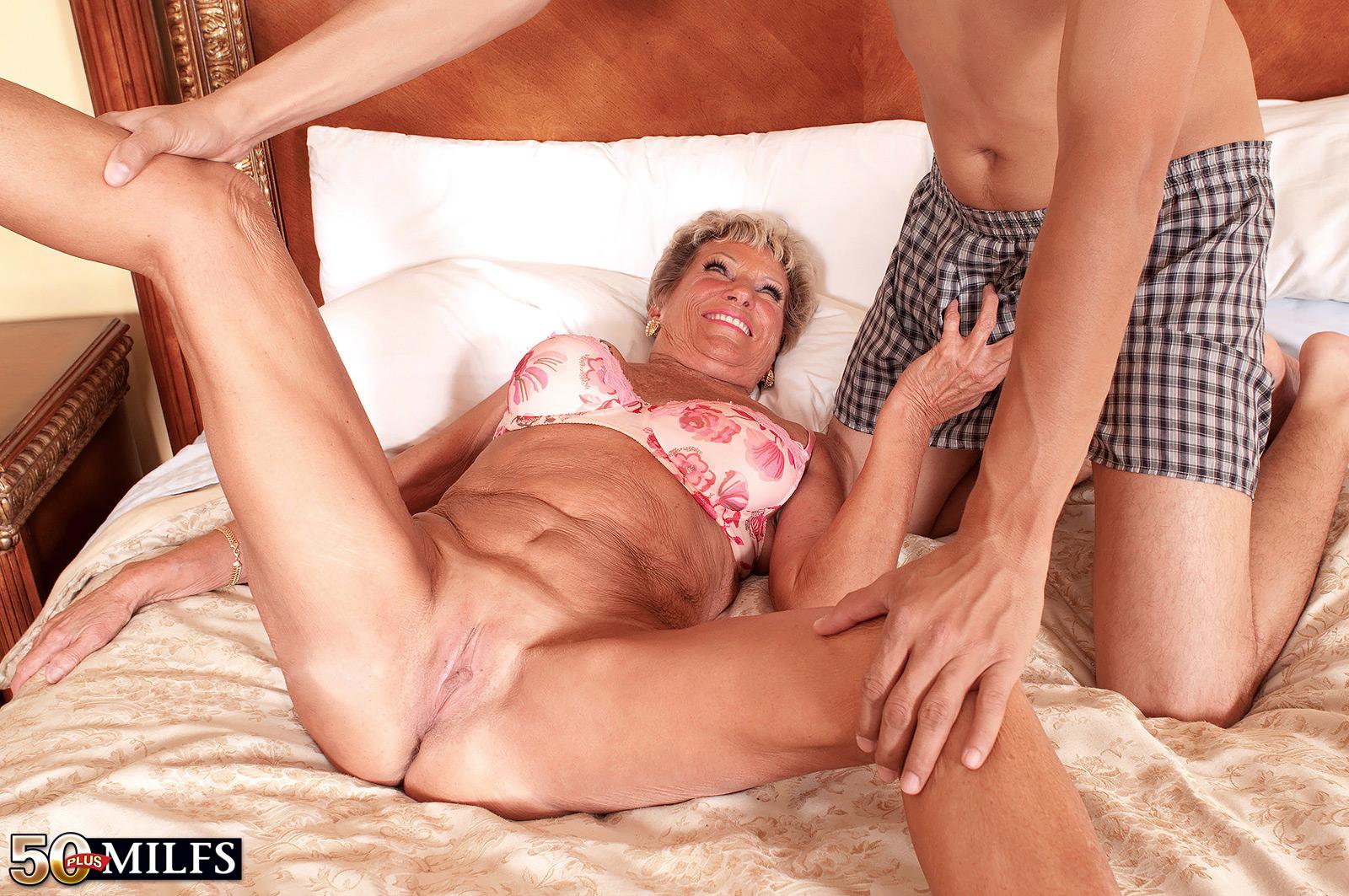 seks-russkih-50-letnih-zhenshin